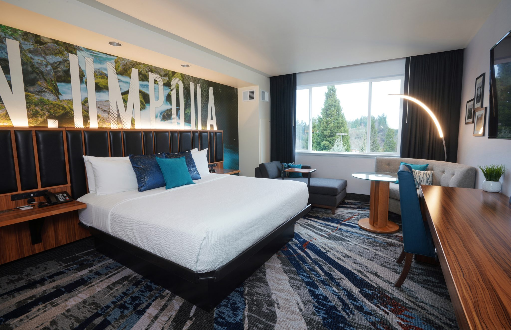 Accommodations At Seven Feathers Casino Resort In Canyonville Oregon Include The Newly Remodeled East Wing