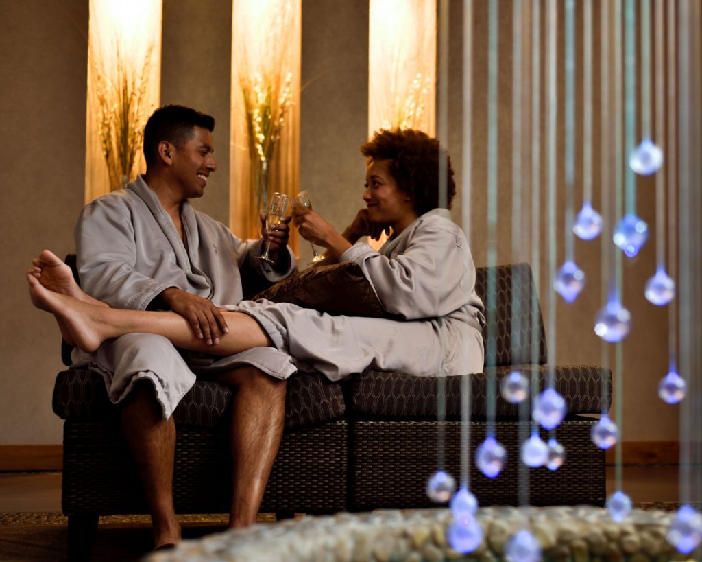Seven Feathers Casino Resort In Canyonville Oregon Is The Perfect Place For A Couples Retreat